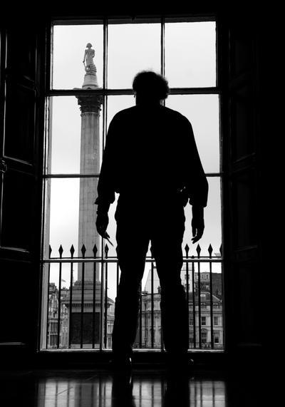 IMAGE: http://fc03.deviantart.net/fs70/i/2009/351/9/e/Westminster_010_by_brenz89.jpg