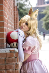 Princess Peach Cosplay by Nao-Dignity