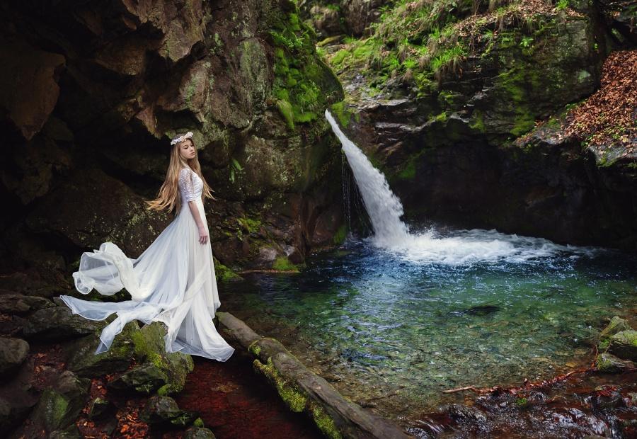 be like water by baravavrova