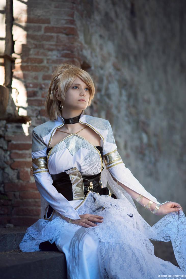 Final Fantasy Xv Luna Kingsglaive Cosplay By Rael Chan89 On Deviantart