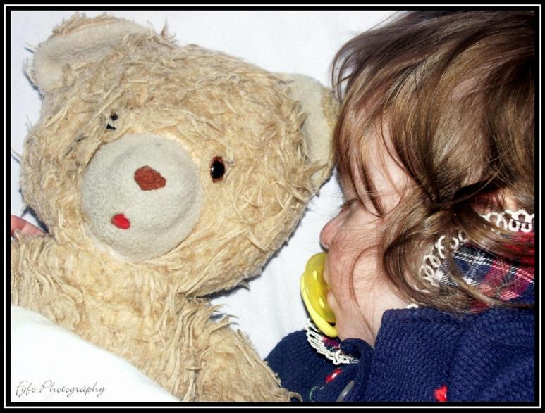 Gabby and the teddy bear by moonduster