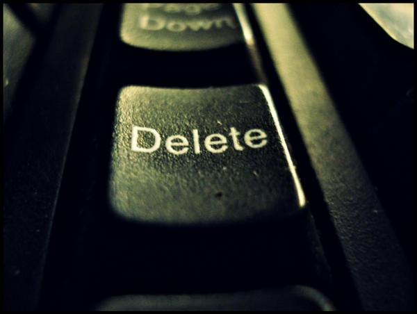 http://fc07.deviantart.net/fs40/i/2009/047/b/e/Delete_memories_by_Turtle_poetique.jpg