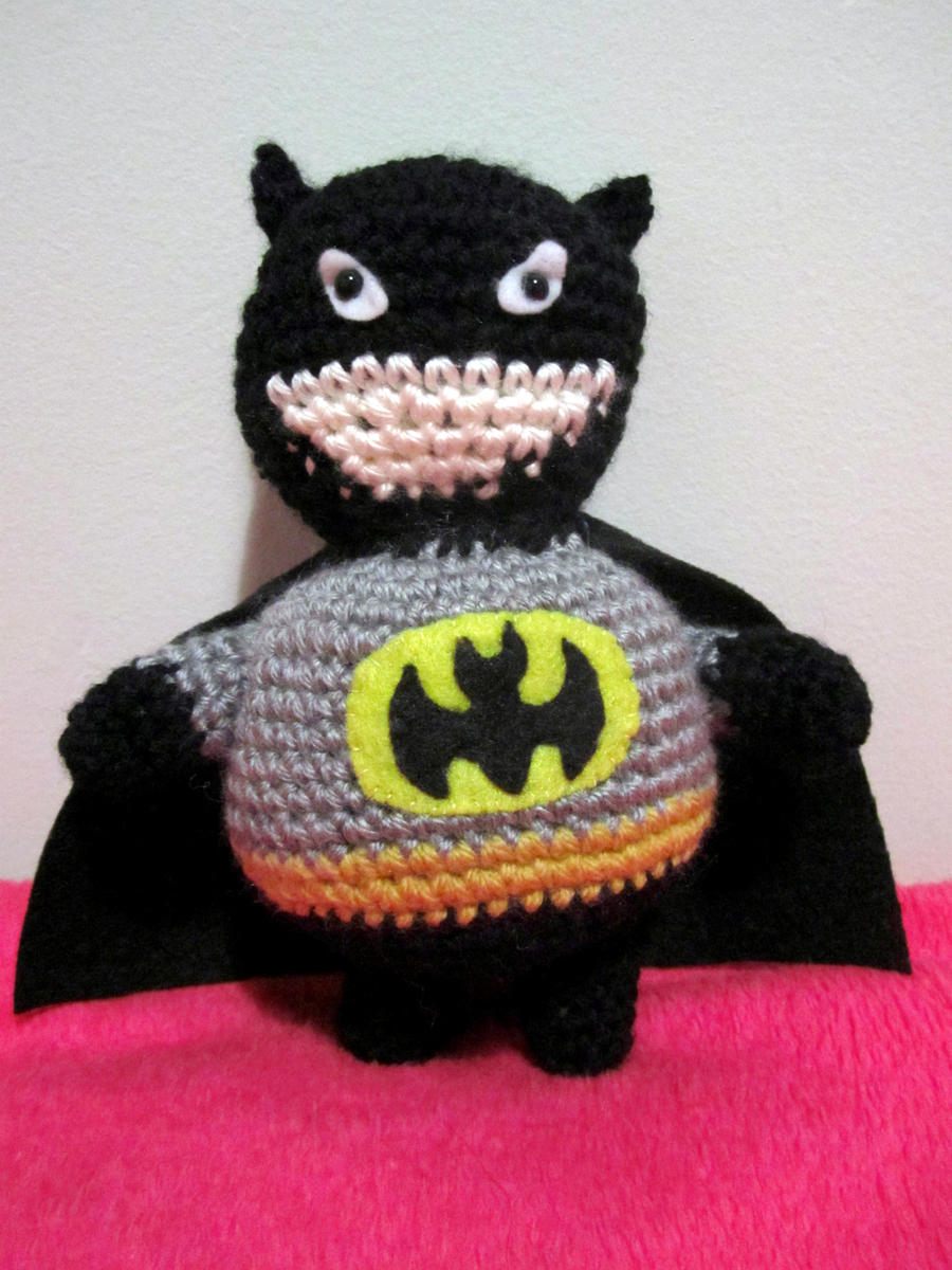 Batman Amigurumi by Chargingrhinos13 on DeviantArt