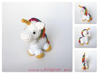 Tiny Rainbow Unicorn by Armigurumi