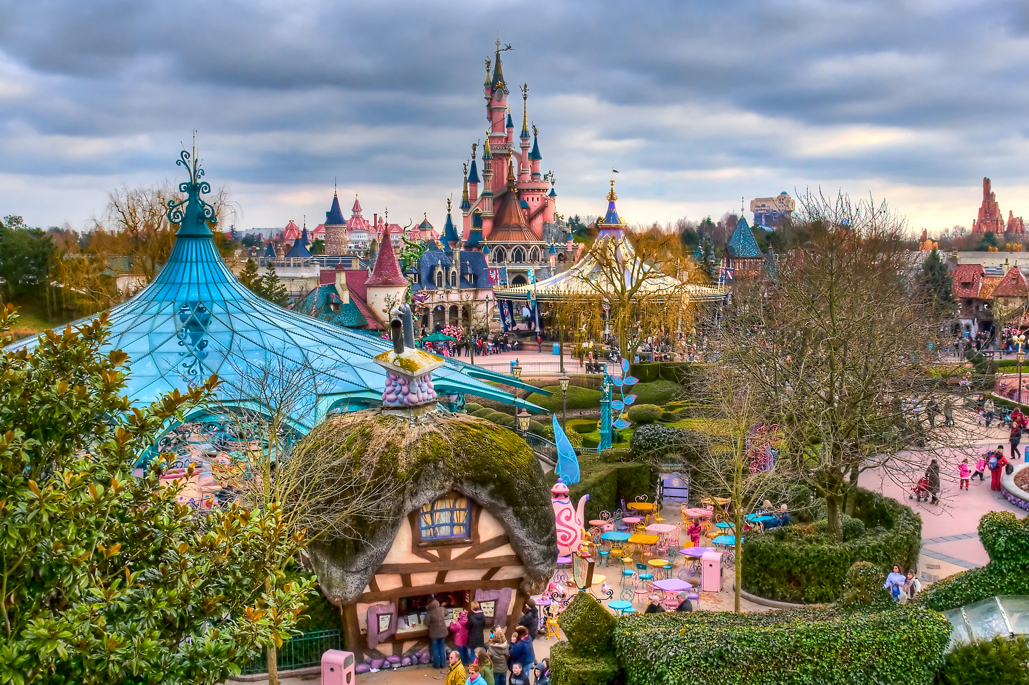 Net fs45 f 2009 138 8 e fantasyland disneyland paris by azerinn