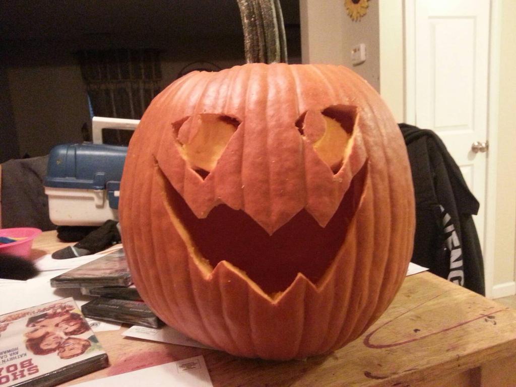 Tf2 Pumpkin Guy by DessyDoodlebug
