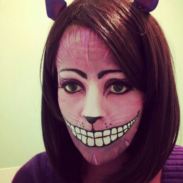 How Do You Make A Cheshire Cat Costume