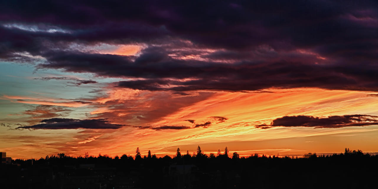 Red sky over Tacoma by arnaudperret