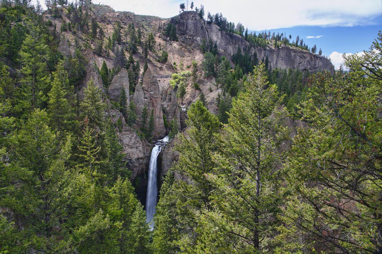 Tower Falls by arnaudperret