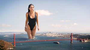 Giantess Gomez Gradually Grazes Golden Gate
