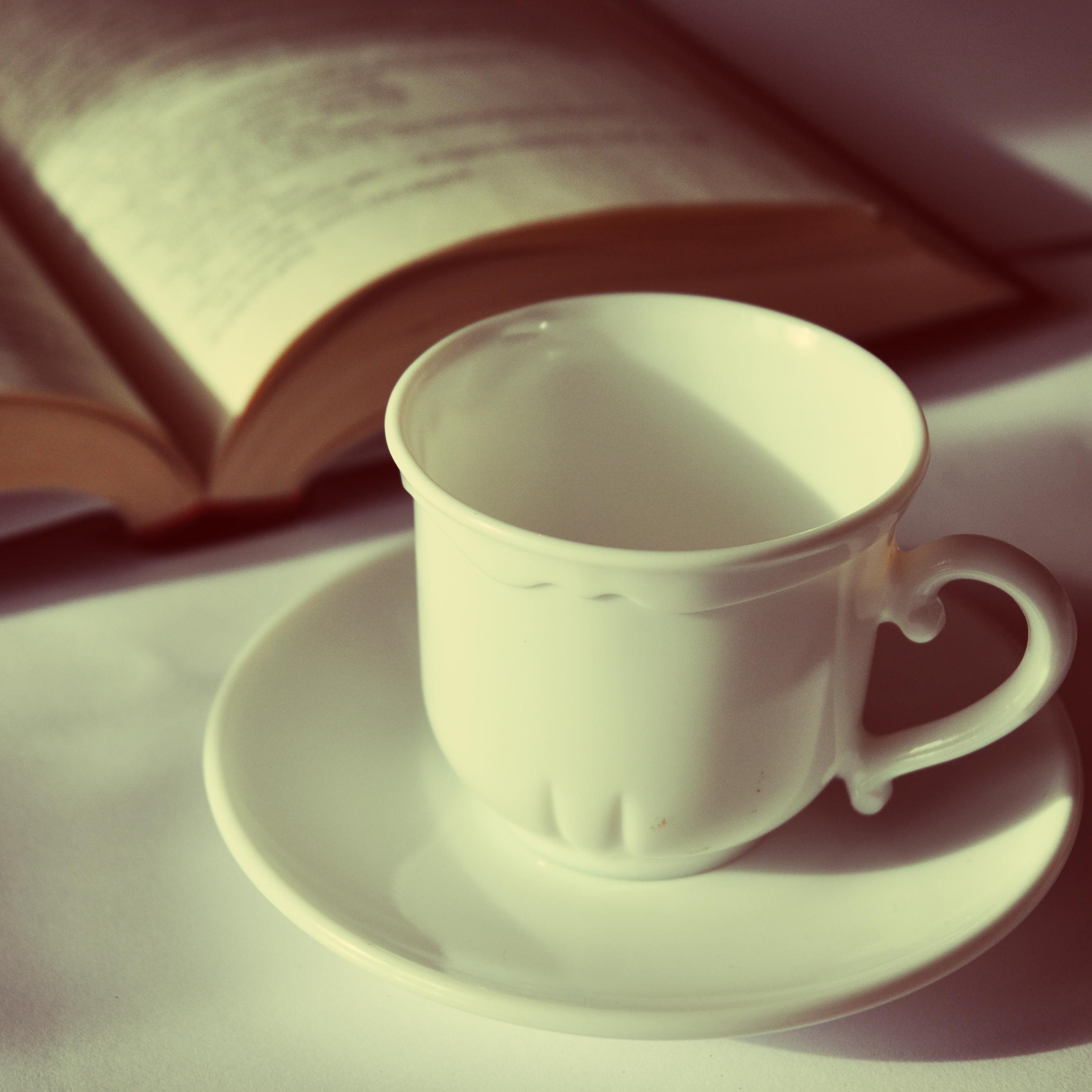 الكتب والأقلام قهوة خلفيات كتب وأقلام