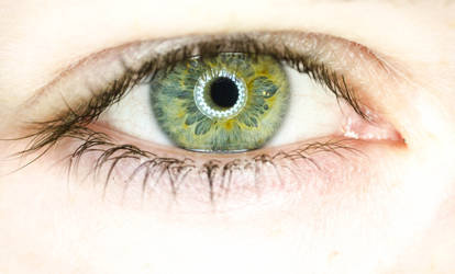 Ojos asi! by zeta32