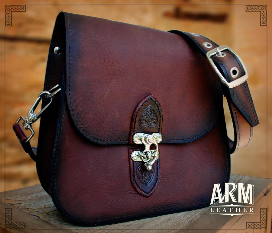 Shoulder Bag 2 by Blackthornleather