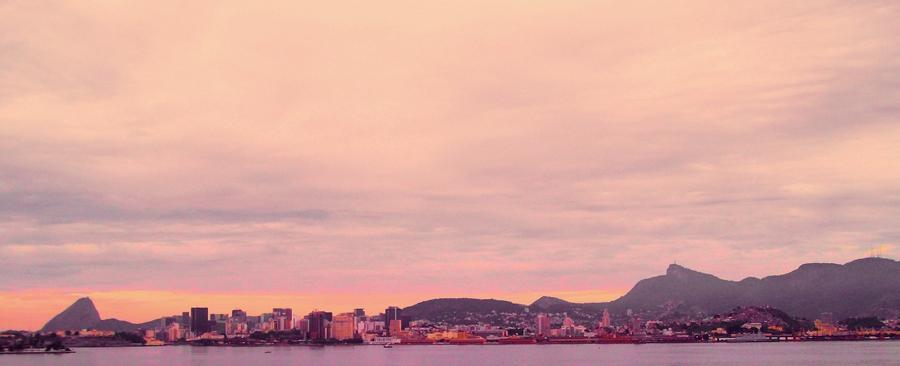 Sunrise on Rio by Felipi