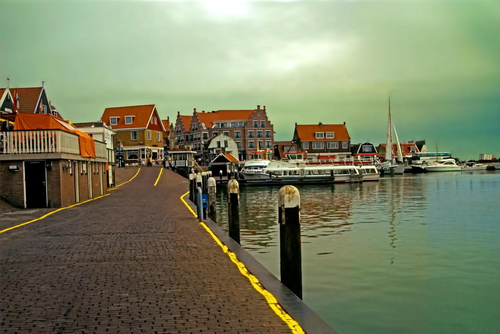 Good morning Volendam by MichelLalonde