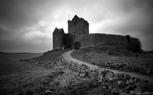 Irish castle by ArtIsterik