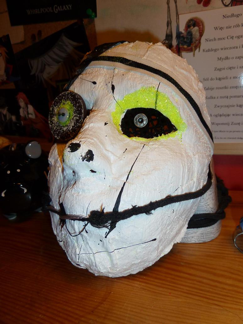 Mask by Kruczkowska