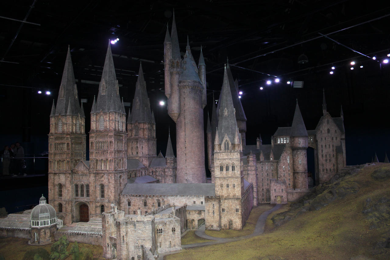 Hogwarts Castle II by Skarkdahn