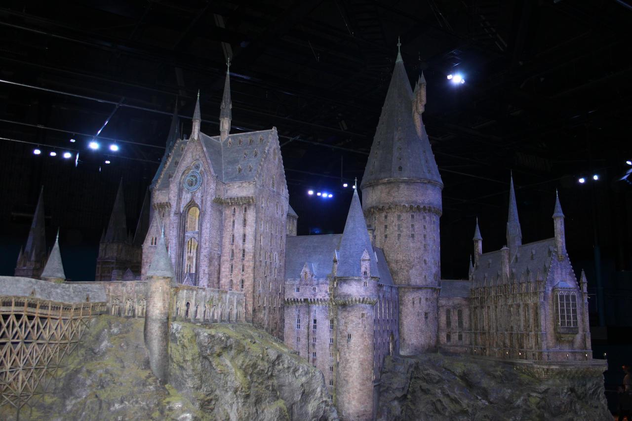 Hogwarts Castle III by Skarkdahn