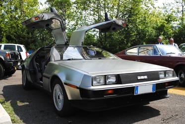 DeLorean by baritz89