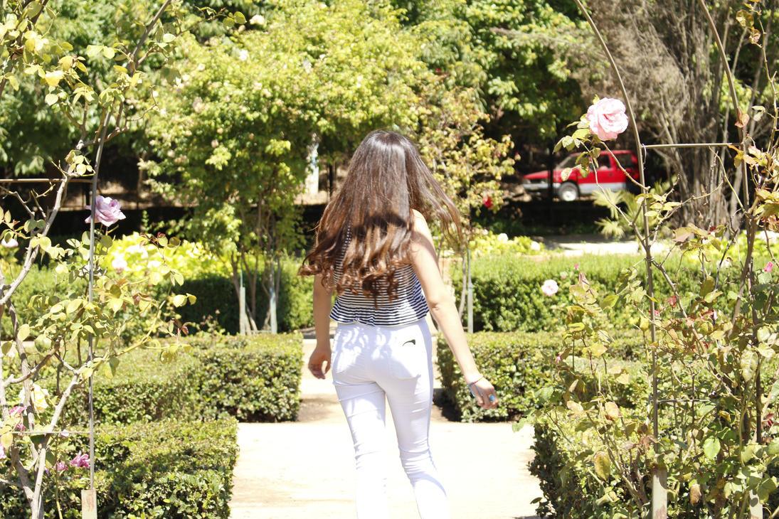 In the gardens pt.3 by HidaarinoBaaka
