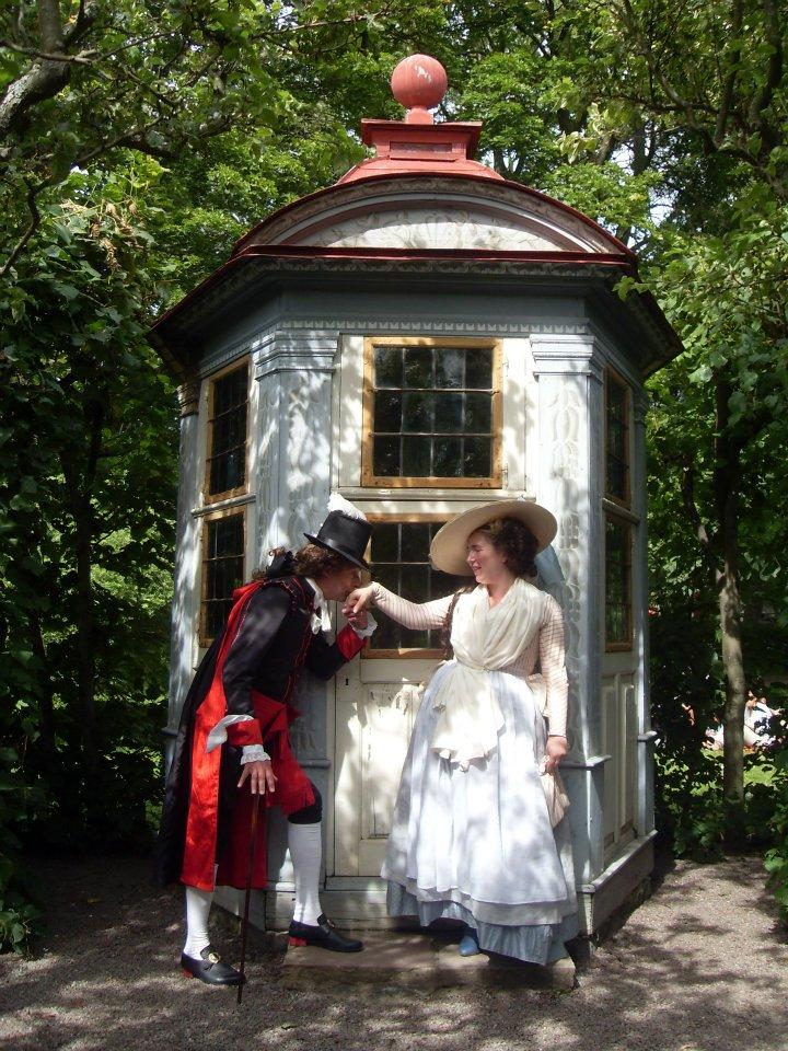 Love in the 18th century garden by Isiswardrobe