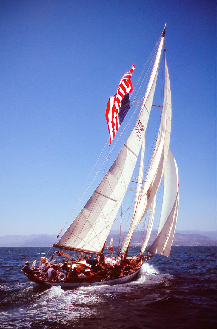 Dauntless under Sail by eric-taylor