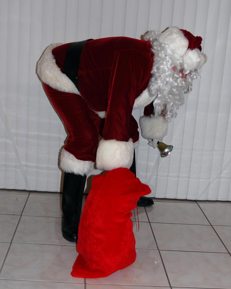 Santa 2 by Peace-of-Art