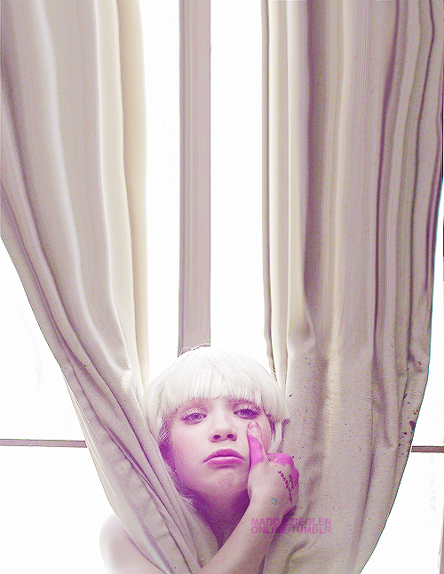 SIA: CHANDELIER by lovelypictures on DeviantArt