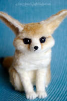 Needle felted Fennec fox by SaniAmaniCrafts