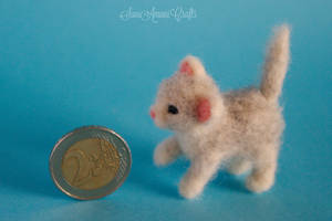 Needle felted - White Kitten by SaniAmaniCrafts