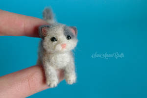 Needle felted - Grey Kitten by SaniAmaniCrafts