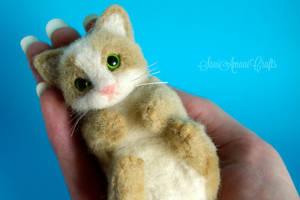 green eyed kitten by SaniAmaniCrafts