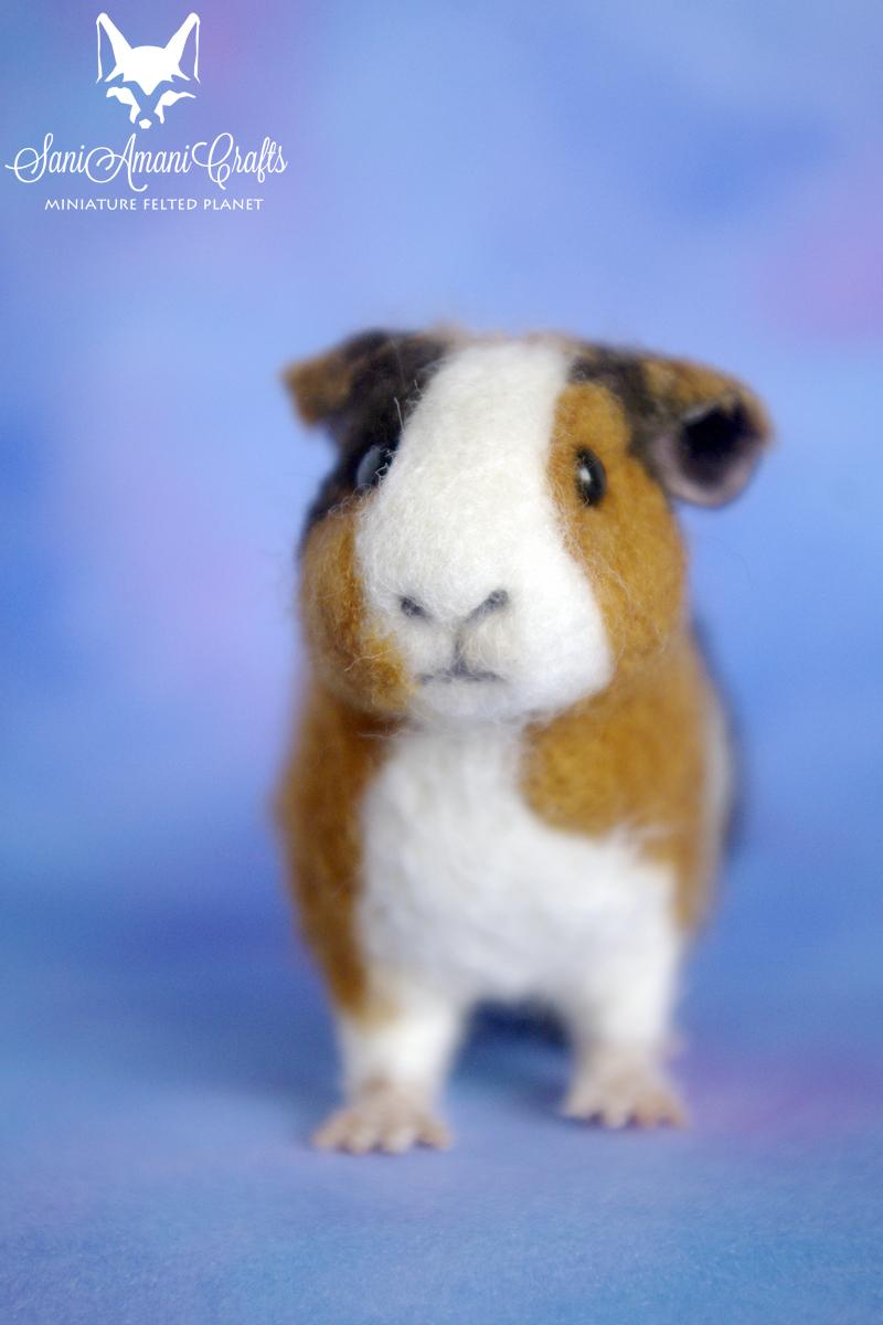 needle felted guinea pig pet portrait by SaniAmaniCrafts