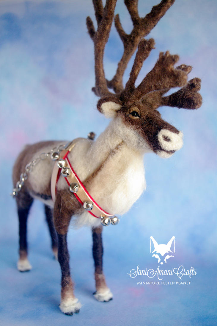 Soft sculpture reindeer by SaniAmaniCrafts