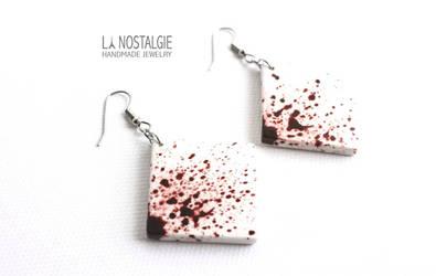 White Minimalist Blood Splatter Dangle Earrings by LaNostalgie05