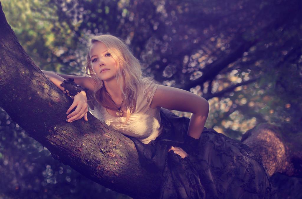Talina Irenesdottir by solis-sacredotibus