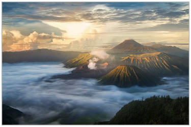 Mount Bromo Sunrise by thesolitary