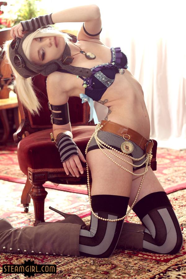 girl piss cosplay nude