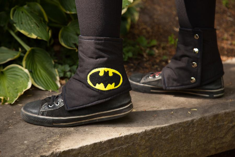 NerdWear: Batman Spats by Costumy