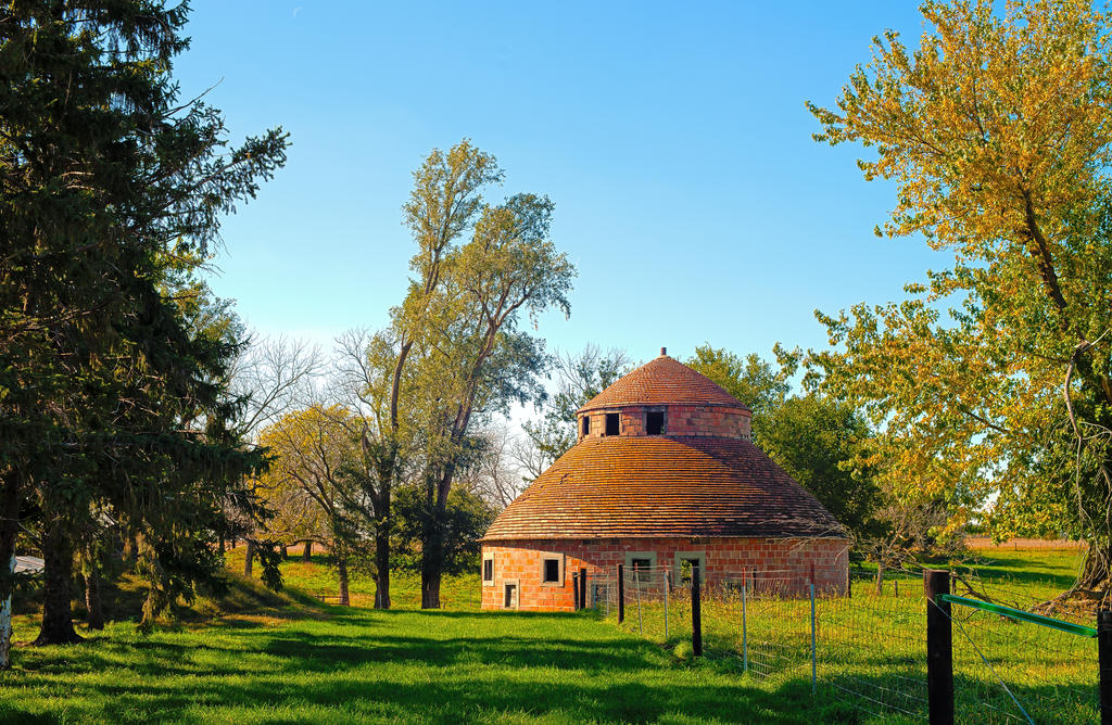 Round house. by in-my-viewfinder