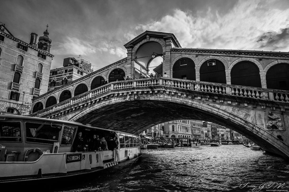 Venice: Ponte di Rialto by IrvingGFM