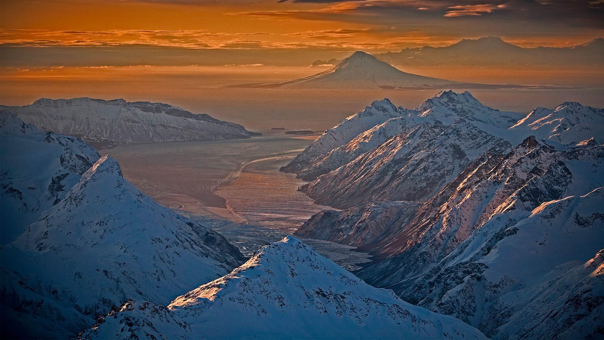 Chigmit Mountains und Lake-Clark-Nationalpark