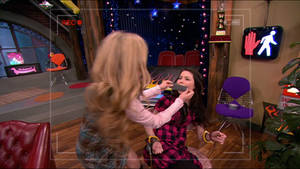 Jennette Mccurdy Gaggin Miranda Cosgrove 2