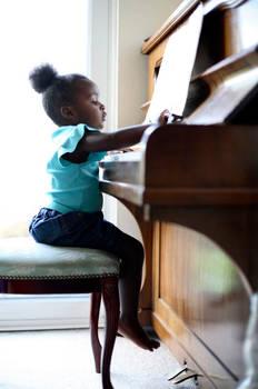 Little Pianist In Training=)