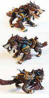 Warcraft: Huntmaster's Loyal Wolfhawk sculpture