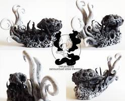 Bloodborne: mini Rom, the Vacuous Spider sculpture