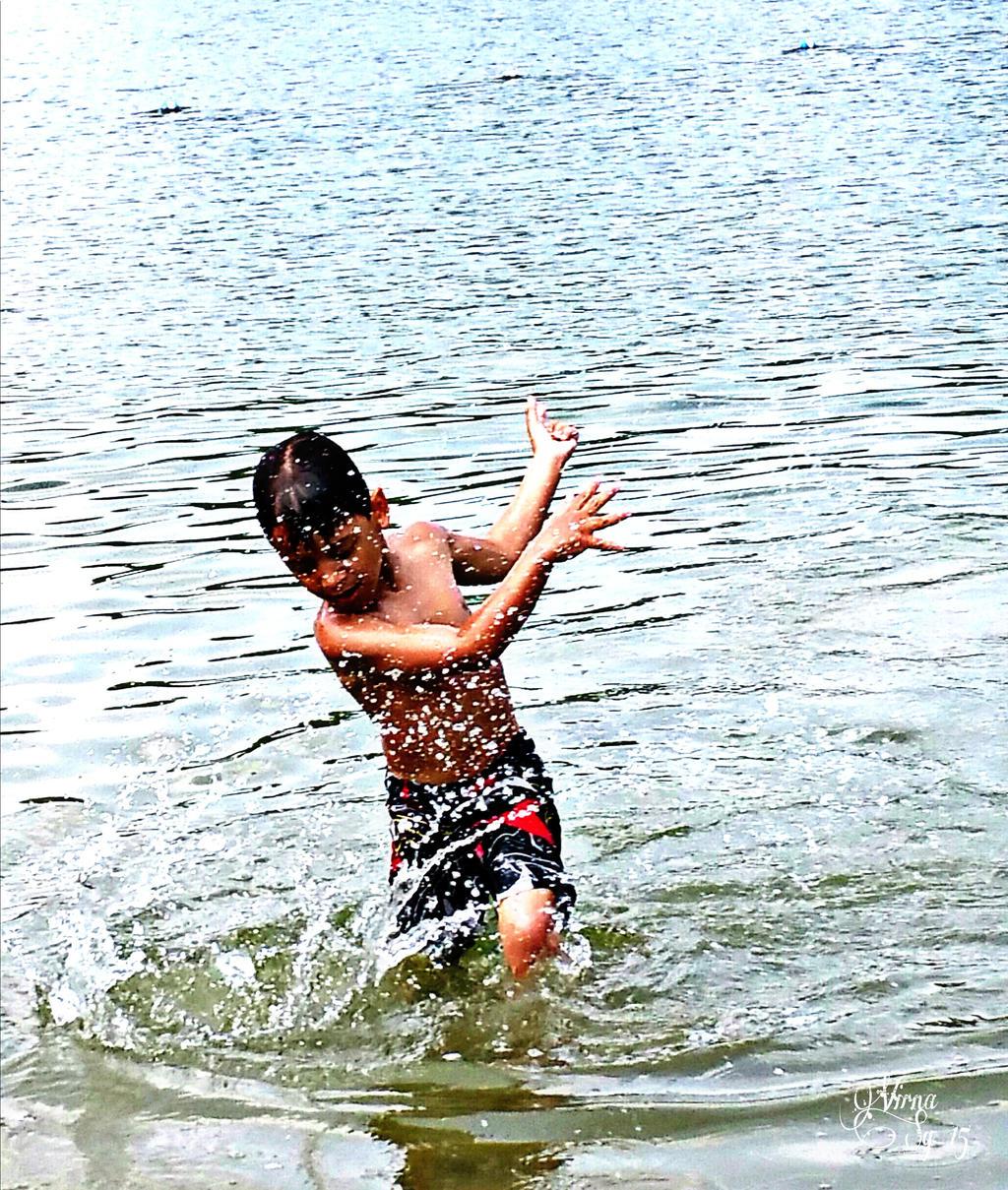 Splash! by virnagray