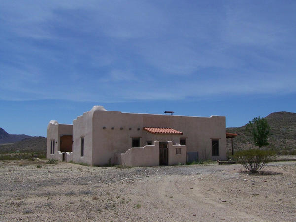 West Texas house in desrt by kc5mipYogie