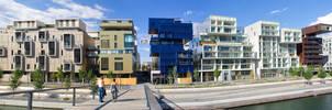 Quartier de la Confluence Lyon by Simounet